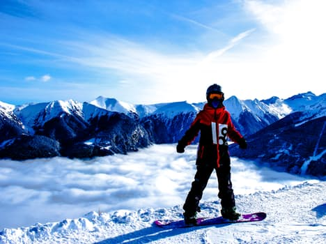 why skiing is better than snowboarding essay Why snowboarding is better than skiing each to their own there's no right or wrong i get that this is my opinion it used to be the case that snowboarders on the.