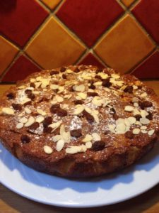 Apple and Almond Cake: Chalet Chez Menor