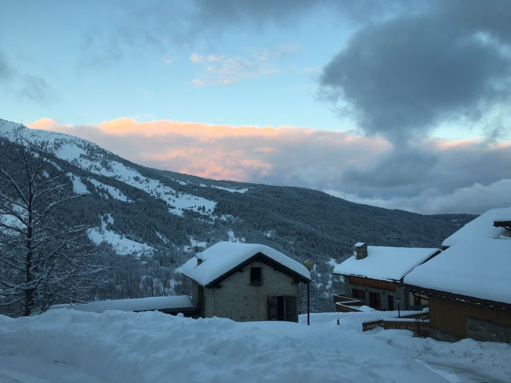 December snow Meribel