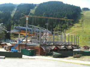 Building the new Saulire lift in Meribel.