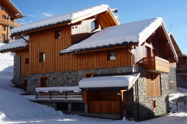 Snowy shot of Chalet Azalee in Meribel
