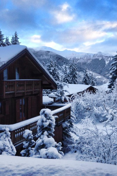 Snowy Exterior shot of Chalet Cote Coeur