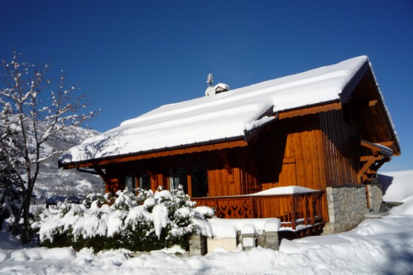 Exterior shot of Chalet Serpolet Meribel