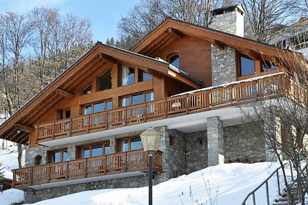 Chalet Chardon Sleeps 14