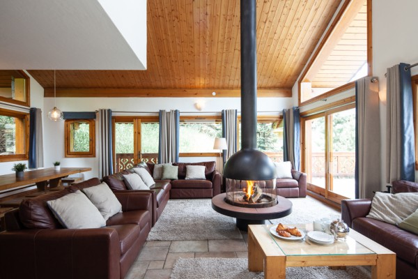 Cosy fire in Chalet Virage
