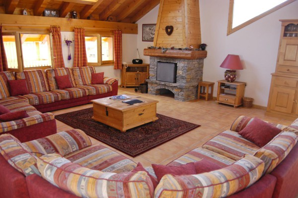 Large Lounge in Meribel Centre Chalet