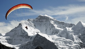 Paragliding trips for non skiers La Tania