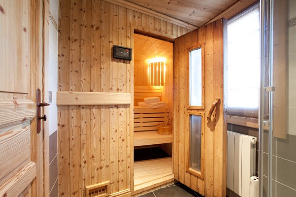 There is a sauna in Meribel Chalet